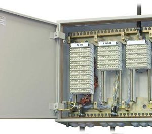 Оконечные устройства для электрических кабелей связи